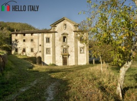 Castle for sale in Borgo San Lorenzo (Tuscany)