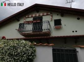 Villa for sale in Carrara (Tuscany)