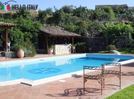 Villa for sale in Aci Castello (Sicily)